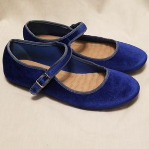 Ballet Flats in Blue Velour by Ollio